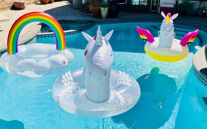 hen party houses with pool