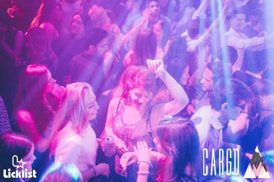 women clubbing