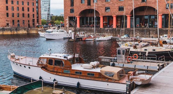 image of liverpool albert dock