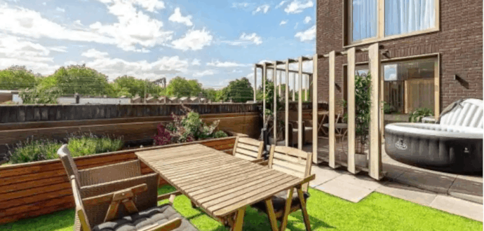roof terrace in london with hot tub