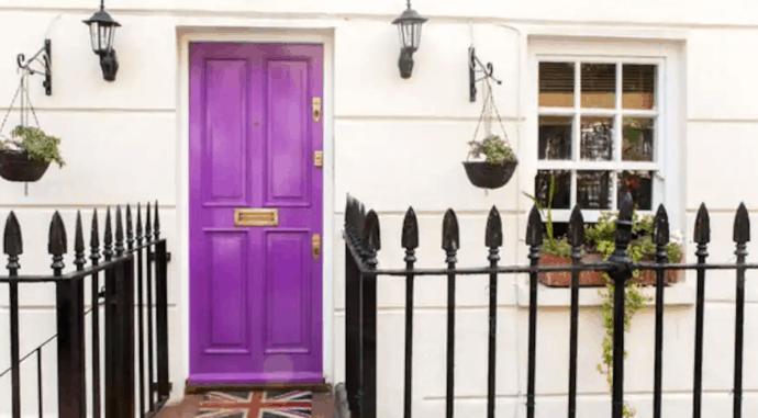house in london with purple door